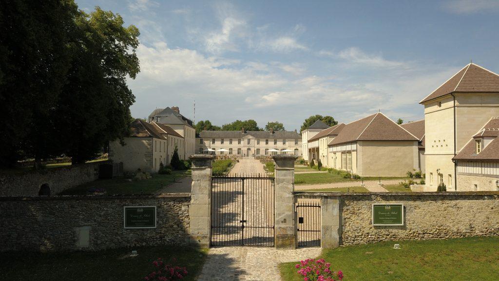 Le château de Maudétour - en - Vexin